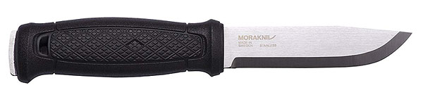 Morakniv full tang knife for batoning wood